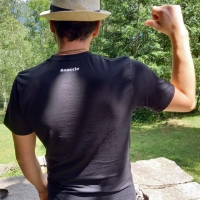 Linea-Uomo-Noccio_hastag_T-shirt-nera